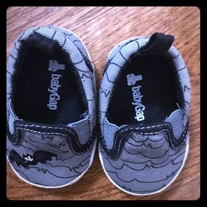 Baby GAP Infant Shows 3-6 mos
